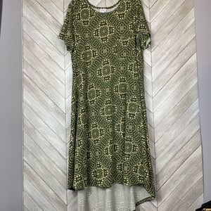 Like new pretty green patterned Carly. 2x
